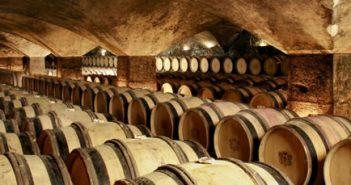"""Manage your wine cellar with """"Le Livre de Cave"""""""